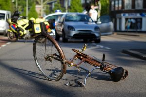 WHEN TO BRING AN ATTORNEY ONTO YOUR BICYCLE ACCIDENT CASE